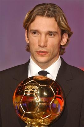 舍甫琴科当选欧洲足球先生 幸福的瞬间