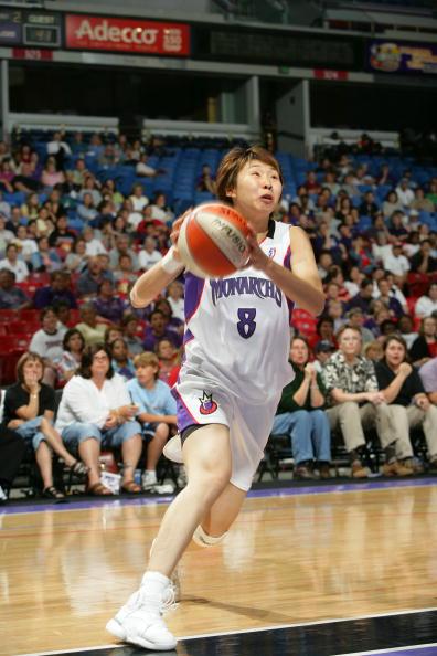 WNBA季前赛君主vs水星 苗立杰上场攻9分