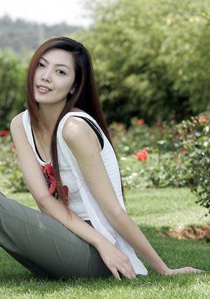 2005年十大时尚风云新锐人物,同时,孙娜还担任了青岛慈善总会的慈善大