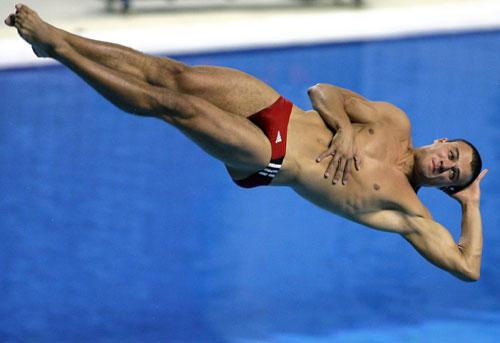 2006年世界杯跳水赛 何冲一米板夺取冠军