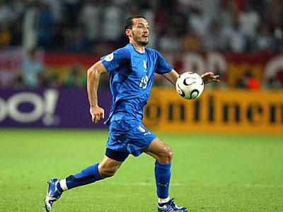简卢卡·赞布罗塔在2006年德国世界杯上随意大利队