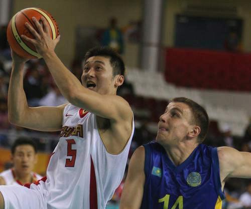 组赛 中国险胜哈萨克斯坦图片