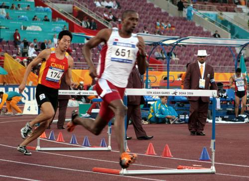 亚运会400米栏 孟岩小组第二晋级决赛