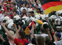 英德球迷对峙法兰克福