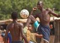 加纳球迷另类足球
