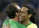 赛后巴西球员露出笑容
