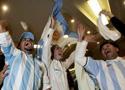 阿根廷球迷为进球欢呼