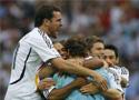 赛后德国队员庆祝胜利