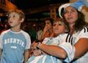 赛后悲伤的阿根廷球迷