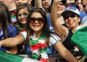 意大利球迷观看训练
