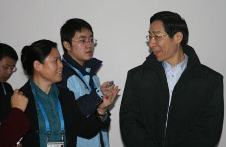 冯建中看望华奥星空 搜狐联合报道组图片