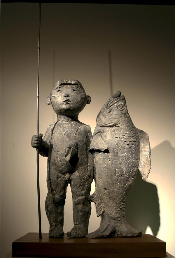序号20,雕塑《少年与海》