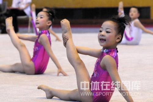儿童体操儿童演奏幼儿体操体操表演