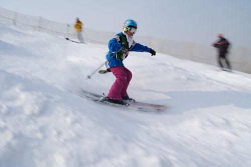 引领双板滑雪热潮 南山举办第四届业余猫跳比赛