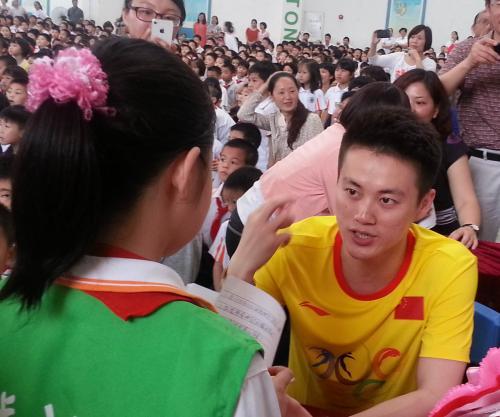 陆春龙接受小记者采访